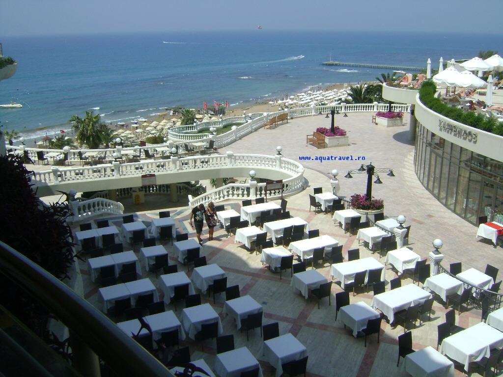 Hotel Terrace Side