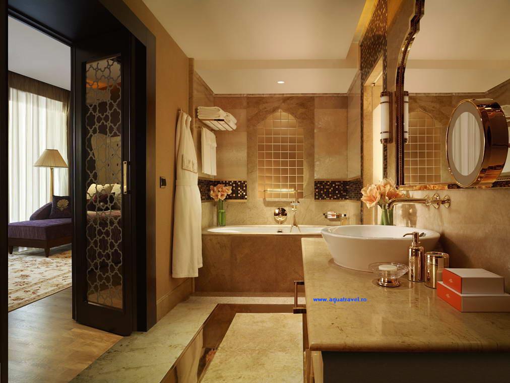 Hotel mardan palace antalya 5 for Hotel bathroom design gallery