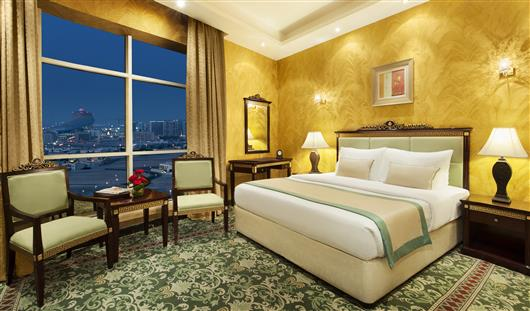 Golden Tulip Al Thanyah Hotel Apartments Dubai 4