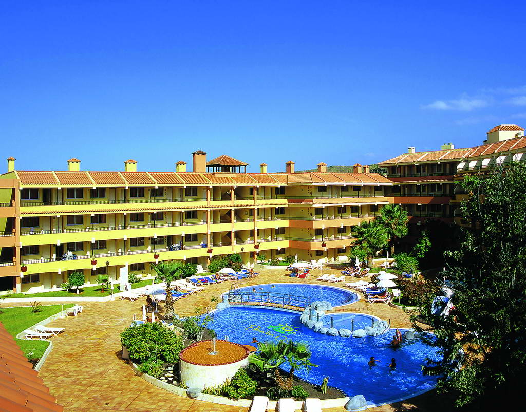 Hovima jardin caleta aparthotel tenerife 3 for Caleta jardin tenerife