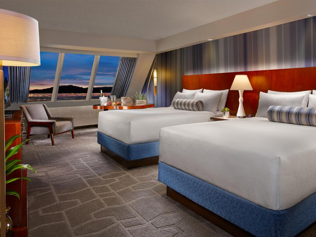 Luxor One Bedroom Luxury Suite Luxor Hotel Las Vegas 3